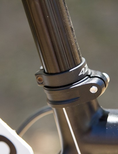 Not often seen in the road ranks - a– secondary seat collar ensures Hansen's seat height is always right