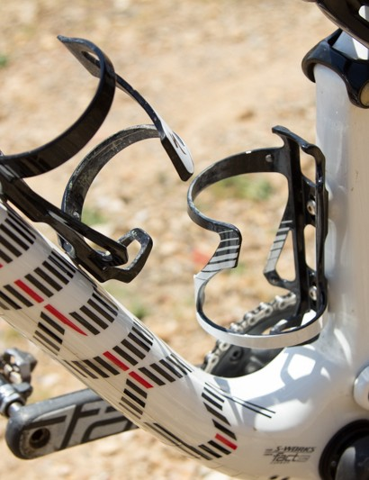 With these special side-access bottle cages, two bottles can be held within the frame. There aren't many dual suspension frames on the market that can do this