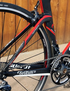 The dropped seatstay layout is borrowed from the TwinBlade time trial bike