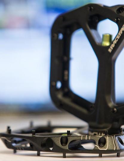 Race Face Atlas pedals