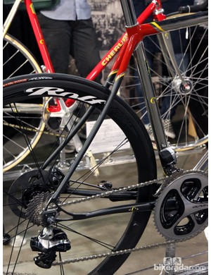 Cherubim dresses the rear end up with gracefully curved seatstays