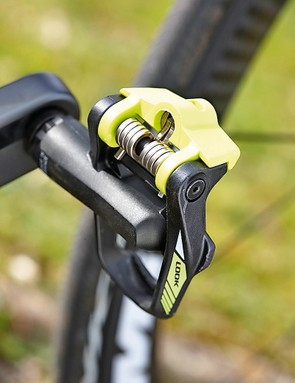 A bike that comes with pedals! Colour-matched Look Keo 2 Max pedals, no less