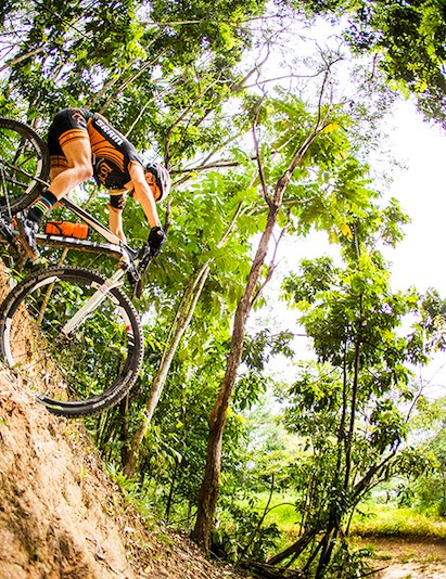 Jenni King - 2013 Australian XCM Champion shows just how steep the track gets