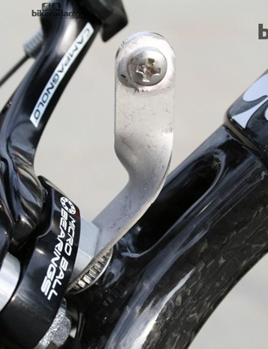 Standard twisted aluminium dossard holders
