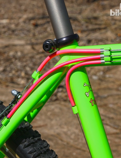 The three-o'clock cable routing was another Fat City Cycles trademark. The hot pink housing is original to the bike, right down to the roughly braided 6mm brake cable and oversized housing