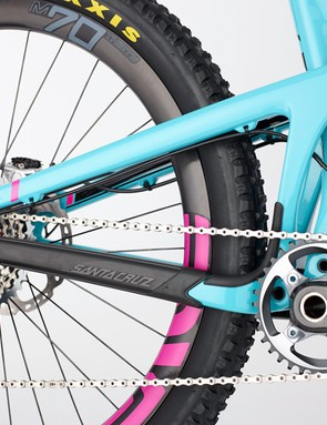The new Nomad Carbon has a single-ring specific frame design