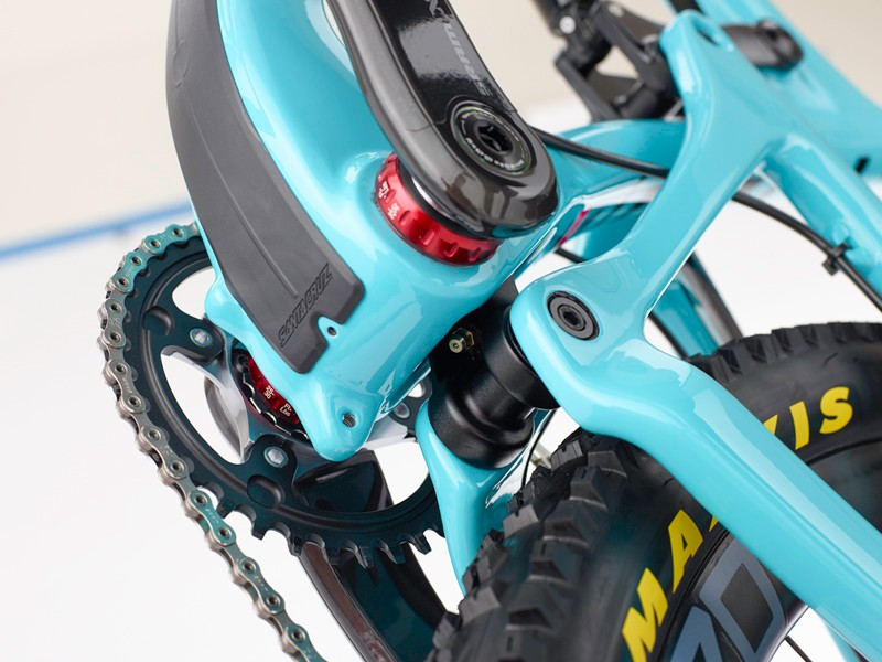 The lower link is well-protected and has a single grease port to service the lower bearings. Other frame features carry over, such as a 73mm-wide threaded bottom bracket shell, ISCG-05 chainguide mounts and a molded down tube frame protector