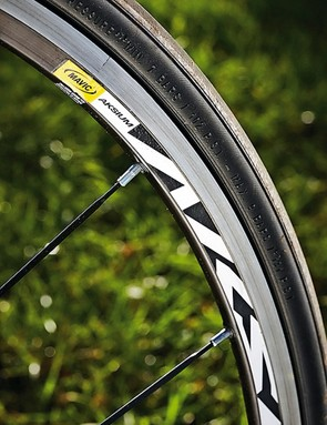 The Mavic wheel and tyre combo is very impressive at this price