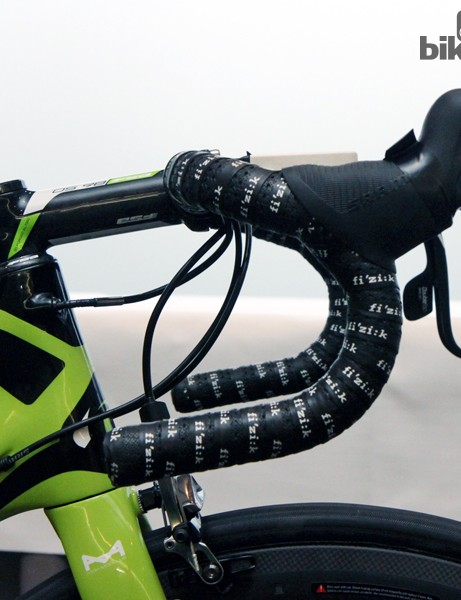 Like many pro riders, Peter Sagan (Cannondale Pro Cycling) prefers traditional-bend handlebars. Sagan is also following the recent trend of narrower bars with these measuring 42cm center-to-center