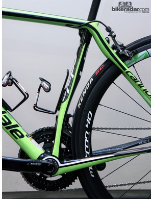 The seat tube isn't cut out like that for aerodynamics. Rather, it makes for a flexier tube and also provides gobs of clearance