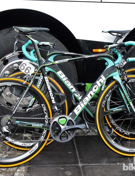 Sep Vanmarcke's (Belkin) Bianchi Infinito CV for Ronde van Vlaanderen