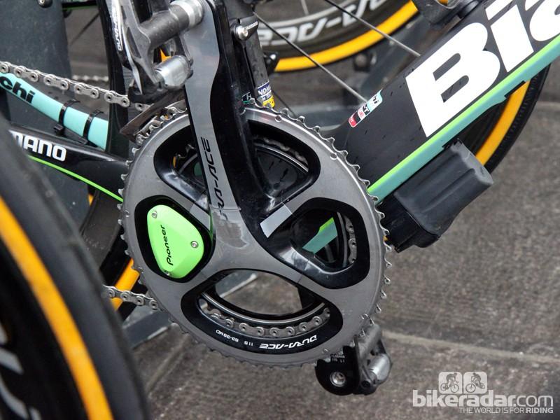 Sep Vanmarcke (Belkin) is using Pioneer's revamped power meter and an externally mounted Shimano Di2 battery