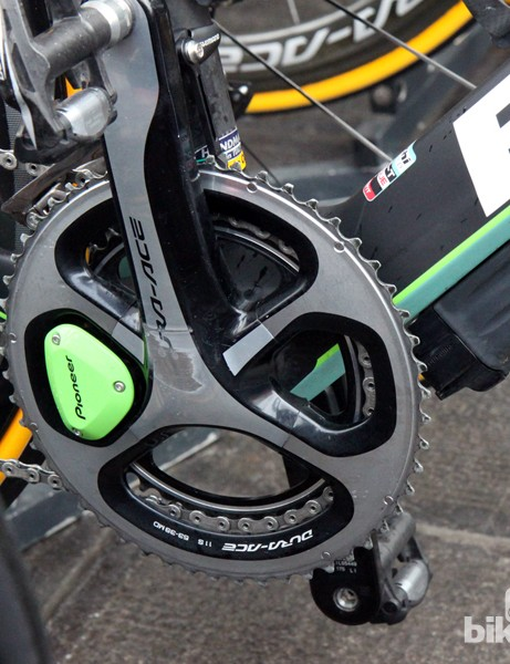 Sep Vanmarcke (Belkin) is using Pioneer's revamped power meter and an externally mounted Shimano Di2 battery