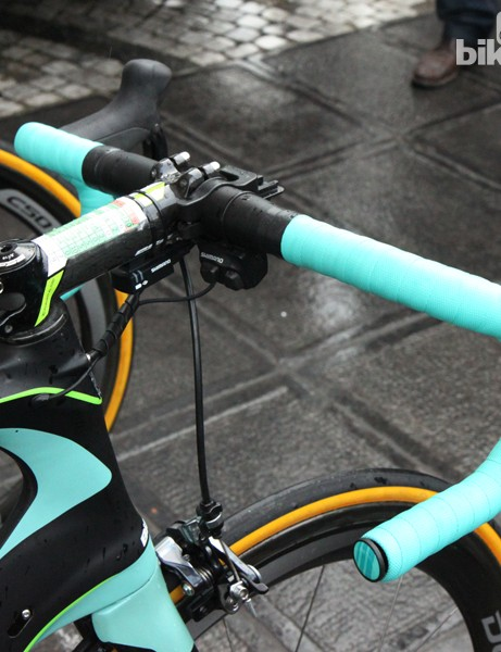 Sep Vanmarcke took full advantage of Shimano's Di2 shifter options with climbing buttons up top and a set of sprint shifters down on the drops