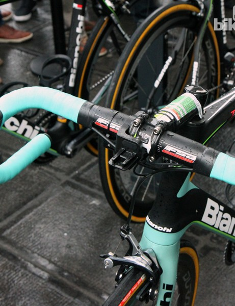 Many riders like Belkin's Sep Vanmarcke opted for aluminum bars. They may be heavier and ride more harshly than carbon options but they're also more likely to survive a crash - and crashing was highly likely today