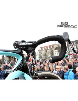 Tom Boonen's (Omega Pharma-QuickStep) Specialized S-Works Tarmac SL4 was fitted with Zipp's ultra-stiff SLSprint carbon stem and SL-70 Ergo bars, covered with two layers of Specialized S-Wrap Roubaix tape