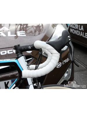 Double-wrapped bars provide a little bit of extra cushioning. Cobbles are unbelievably punishing on the hands