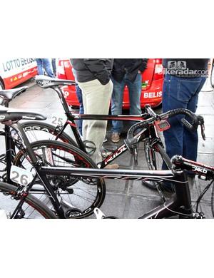 Jurgen Roelandts' (Lotto-Belisol) Ridley Fenix just before the start of Ronde van Vlaanderen