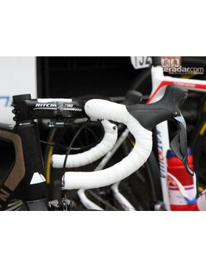 Alexander Kristoff (Katusha) seems to prefer Ritchey's WCS Carbon Monocurve integrated fiber cockpit