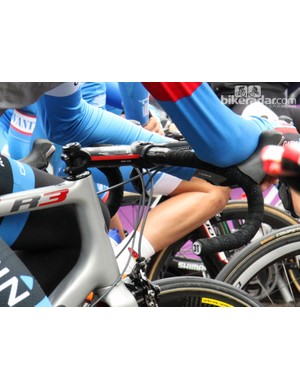 Traditional-bend bars and a -17° stem slammed atop the headset cover for Garmin-Sharp rider Johan Vansummeren
