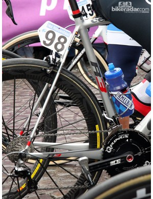 Few bikes are built with such huge size differences between the chain stays and seat stays as the Cervélo R3, as ridden here by Johan Vansummeren (Garmin-Sharp). And yes, the team really is finally using Garmin power meter pedals after a long, long delay