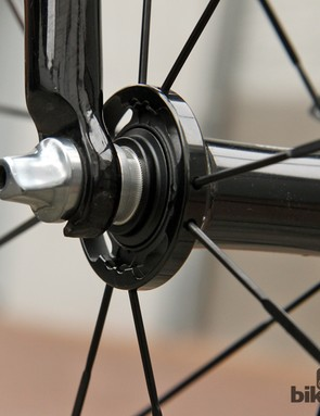 The lawyer tabs are still intact on Geraint Thomas's (Sky) Pinarello Dogma 65.1 Think2 fork