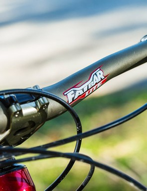 You're potentially onto the bargain of the century as you grasp these big motocross-bred bars…