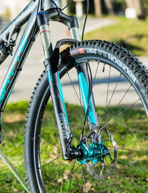 The T-129S's 29er wheels add surefooted smoothness and easy speed, but it's still an appealingly intuitive handler