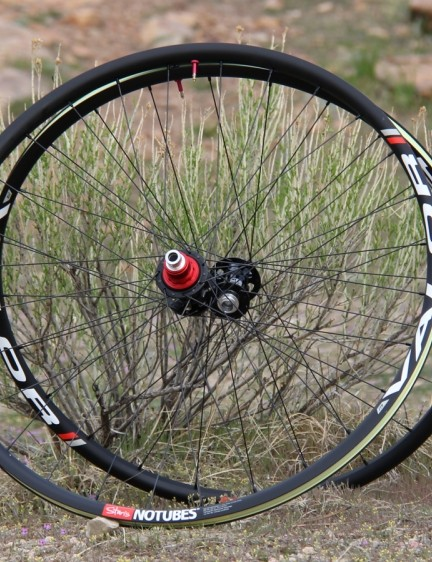 The NoTubes carbon Valor wheelset is now available in all three wheelsizes