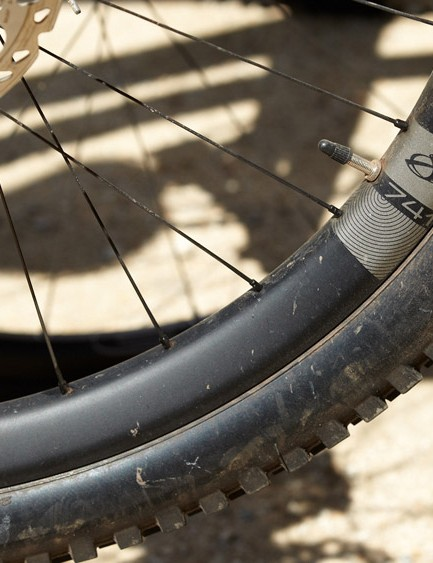 The Ibis 741 wheels have a 41mm width, 35mm internal width and weigh a claimed 1,650g (rim weight 475g)