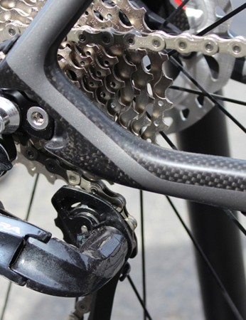 Asymmetric chainstays allow for internal electric routing or external mechanical routing, with the drivetrain-side stay dropped below hub level for a bit more torsional rigidity