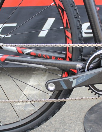 The F4x features SRAM's new CX1 'cross-specific partial group that features the clutch rear deraileur for a taut chain in all conditions