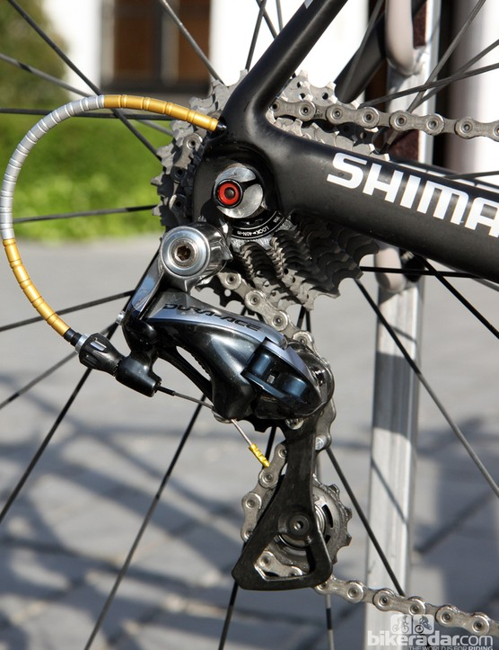 According to team technical directory Jordan Roessingh, Fabian Cancellara (Trek Factory Racing) will forego his usual Berner rear derailleur cage and oversized pulleys in favor of a standard setup that supposely provides better chain retention