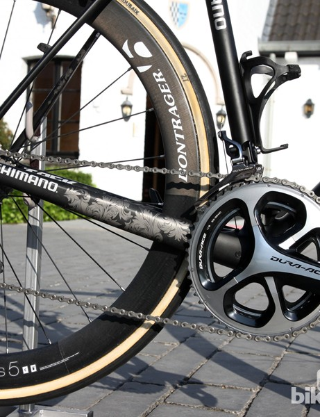 While most Shimano riders prefer Di2 electronic transmissions, Fabian Cancellara (Trek Factory Racing) sticks to a mechanical drivetrain