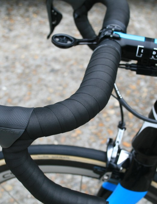 Double wrapped bar tape was a feature of most team Sky bikes