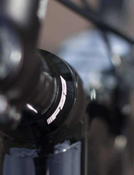 A sealed FSA headset is used: this provides simple servicing and long-term durability