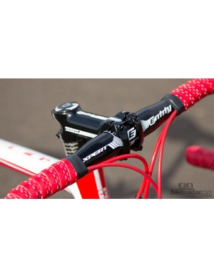 Entity is Polygon's own brand and is quality kit, but we didn't warm to the handlebar shape
