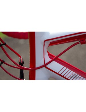Sharp paint lines and clean welds - this is a quality frame