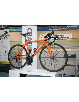 Craddock Cycles, one of the UK's only bespoke carbon road frame builders was showing off one of its mint race bikes