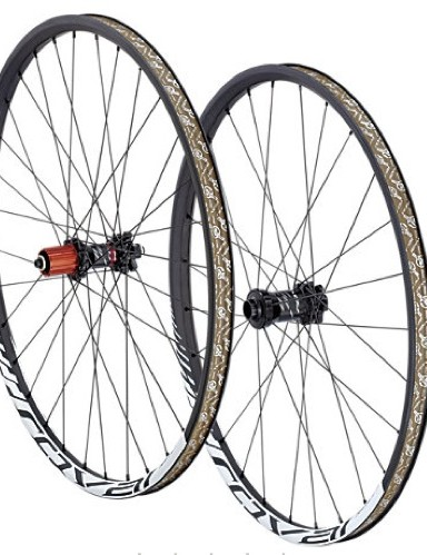 Roval introduced hookless versions of its carbon Roval wheelsets last year
