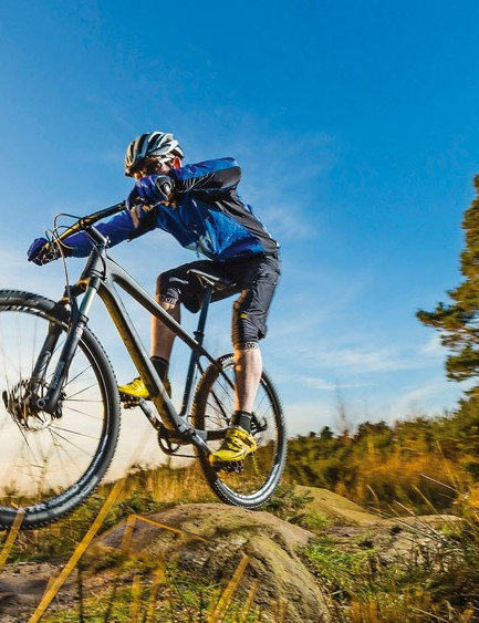 Aggressive descents can provoke some challenging shimmy from the Revolver