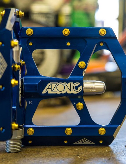 Azonic Wicked pedals