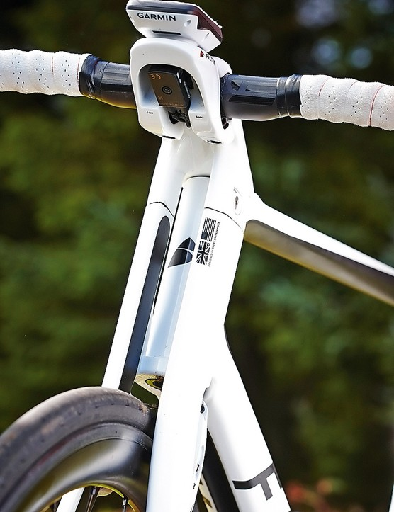 Doing the splits: the Factor's ultra-distinctive fork and down tube
