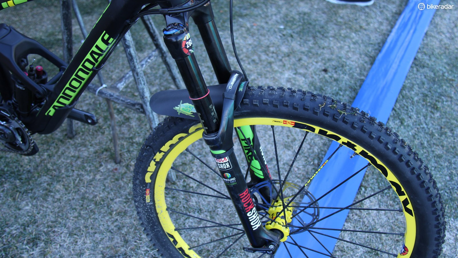The top-end production Jekyll 27.5 comes equipped with the new Lefty Supermax fork, Clementz, as a SRAM-sponsored athlete, runs a 160mm RockShox Pike