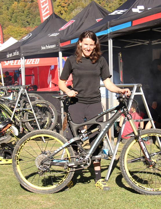 Chausson won aboard her tried and true Ibis Mojo HD