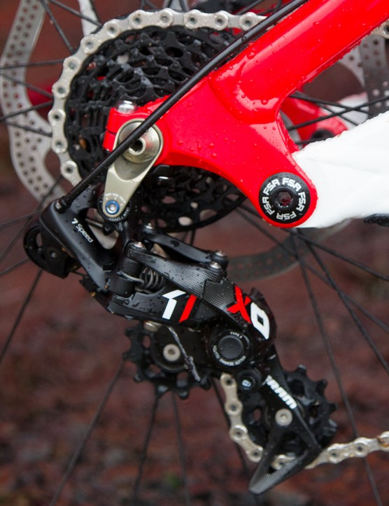 SRAM's new X0 DH was seen with just about all SRAM sponsored riders