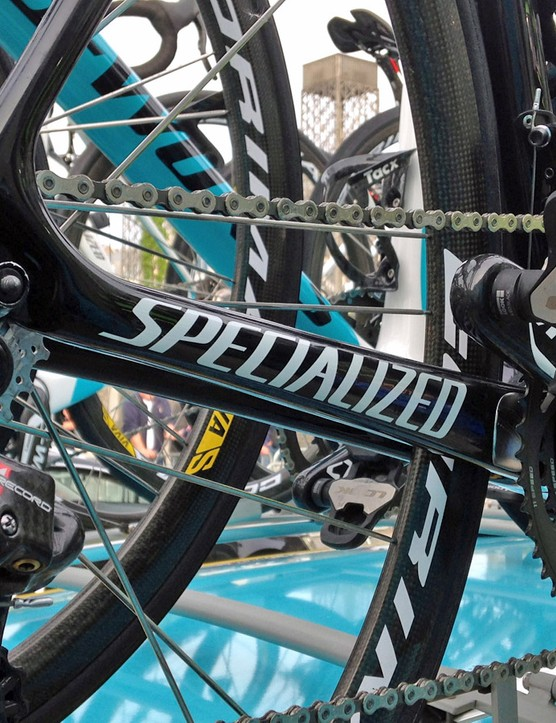 Compared to the current Specialized S-Works Tarmac SL4's slightly more rectangular chain stays, the new SL5 looks to have a more rounded form. There's also a gentler transition to the seat stays and a more linear path for the internally routed rear derailleur cable, too