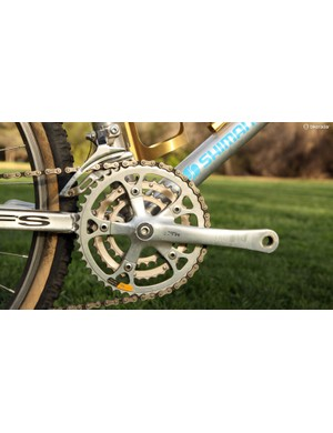 The first-generation Shimano XTR drivetrain used full-sized 26/36/46-tooth chainrings and solid forged aluminum arms