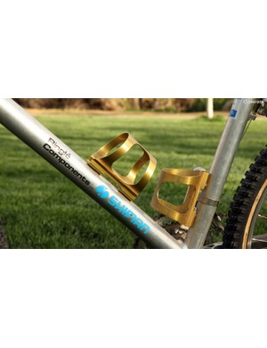 Ringlé anodized aluminum bottle cages were must-have items back in the day