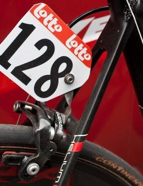 The race number bracket mounts on the Skeleton calliper's rear bolt